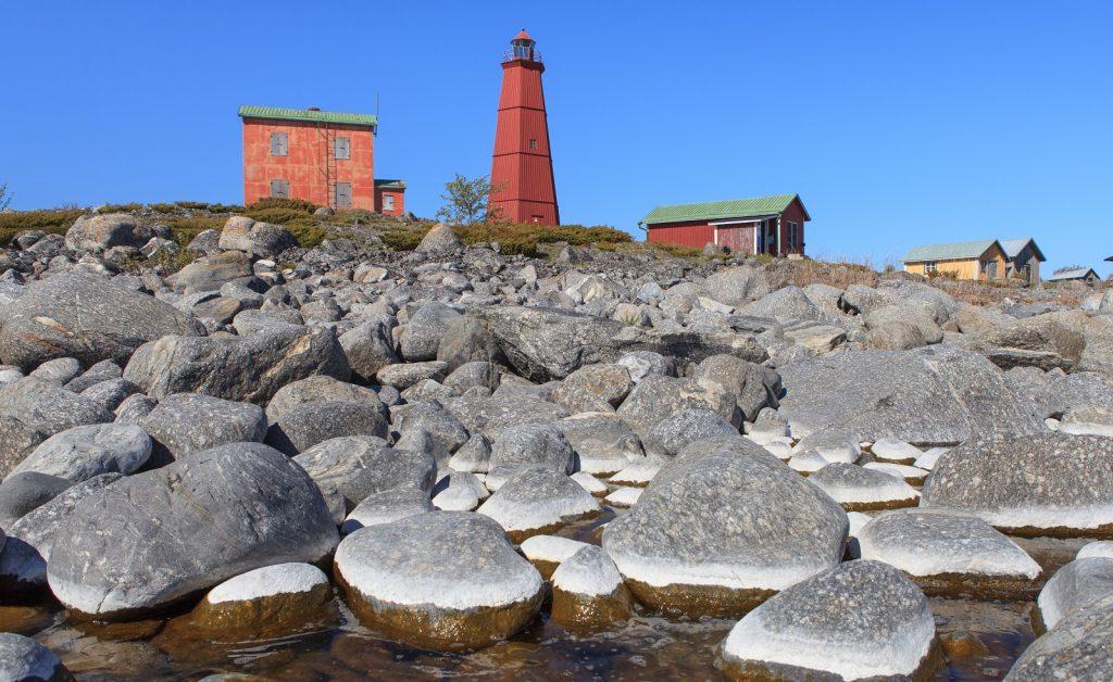 Merenkurkun saariston kivikkoa