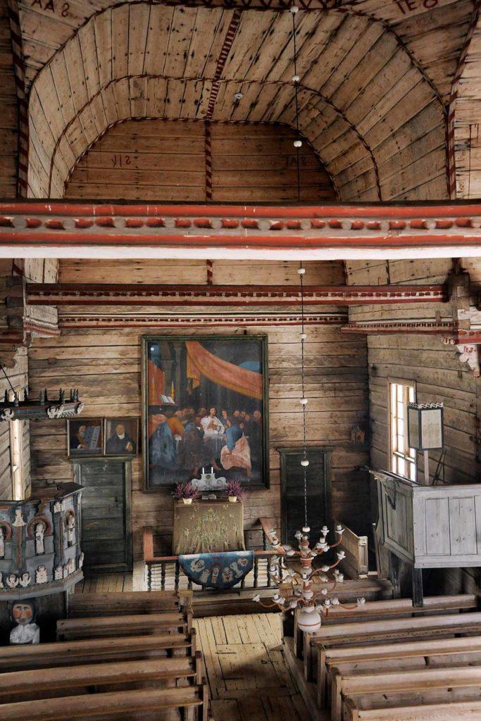 Petäjäveden vanha kirkko sisältä kuva Petäjäveden vanhan kirkon säätiö