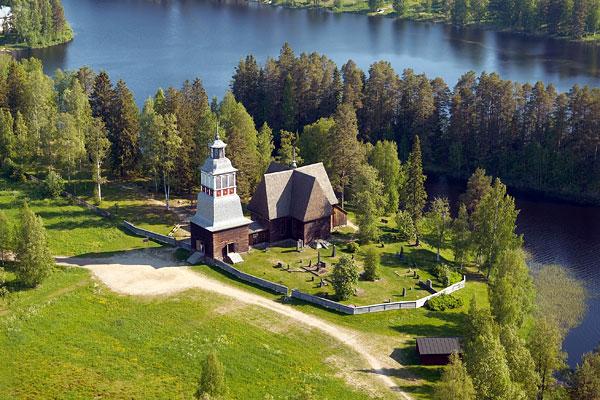 Petäjäveden vanhan kirkon ilmakuva kuva Petäjäveden vanhan kirkon säätiö